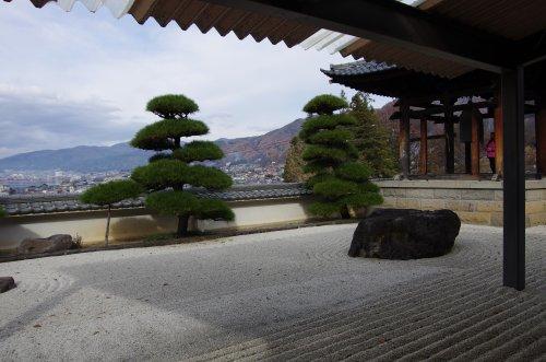5温泉寺石庭