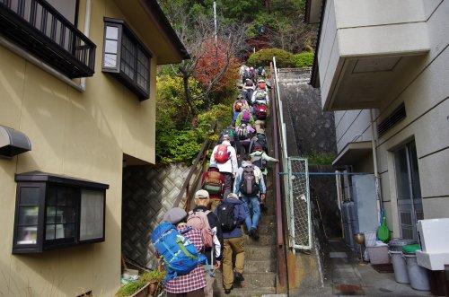 05塩の山遊歩道入り口
