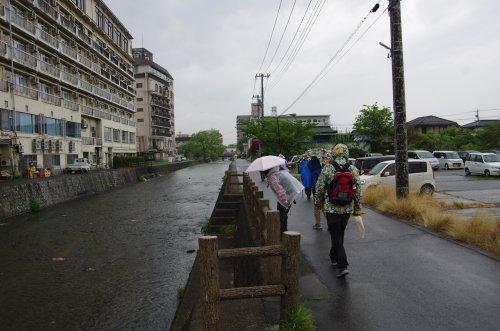 02_川沿い