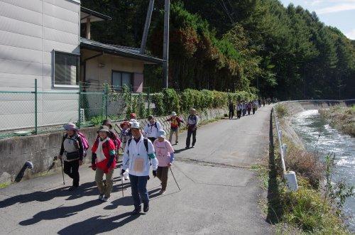 09_川沿い